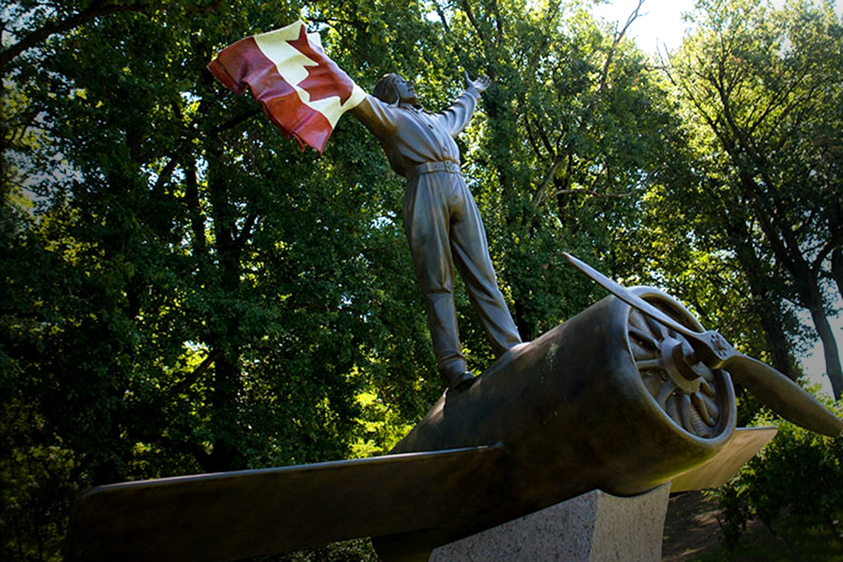 Statue Gordon McLean